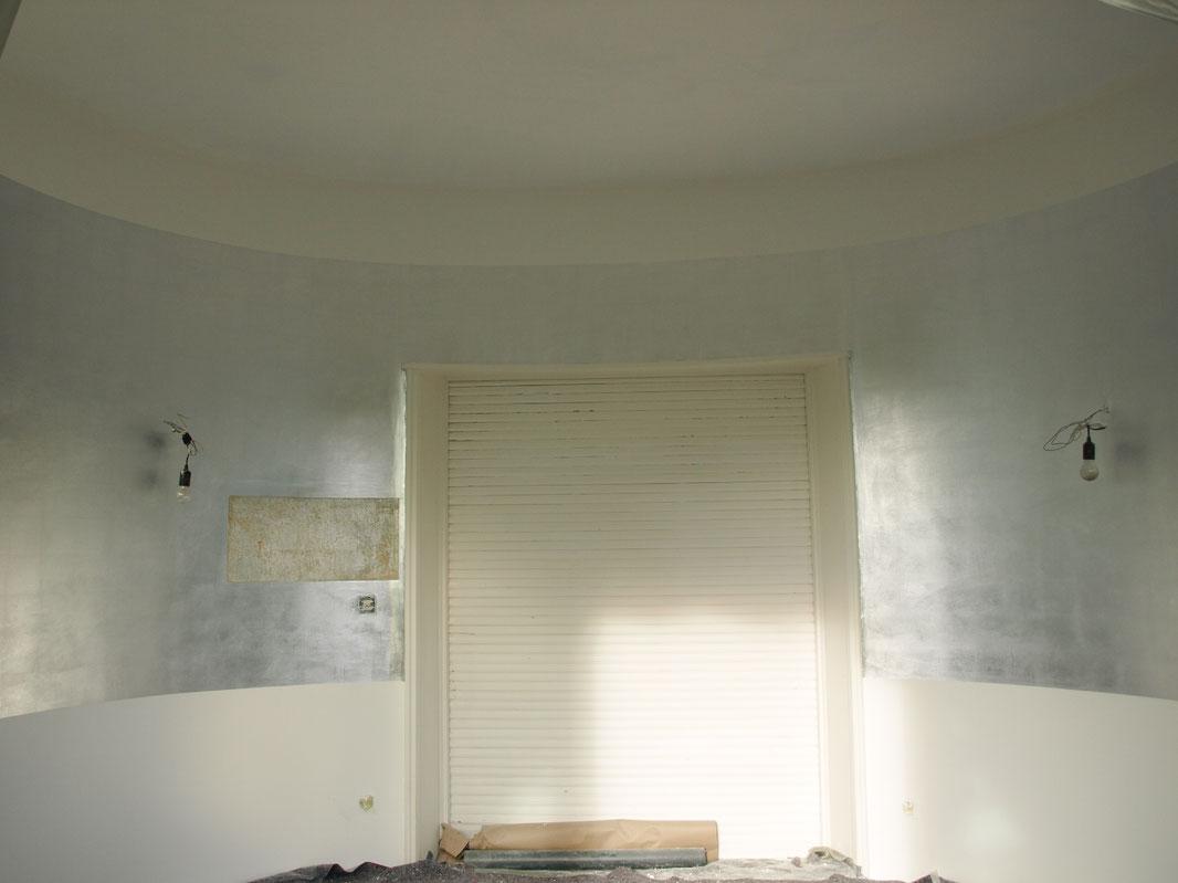 Veredelte Wand mit Blattaluminium
