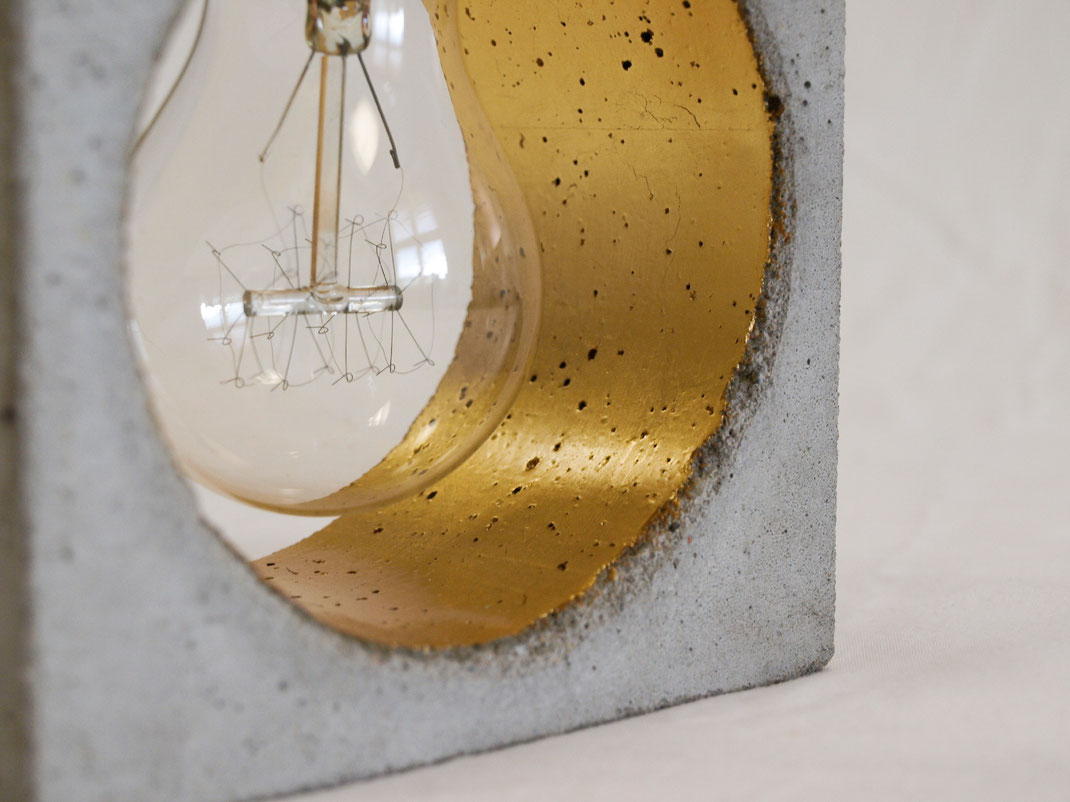 Vergoldete Betonlampe CONCRET
