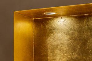 Vergoldete Badezimmernische. Echtes Blattgold. Detail