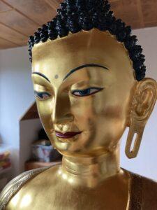 Vergoldete Buddha-Statue