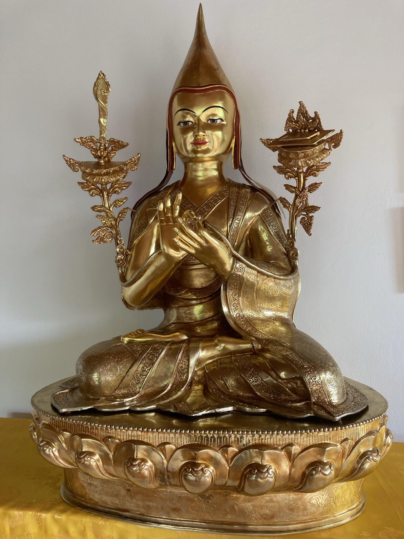 Vergoldete Tsongkhapa-Statue