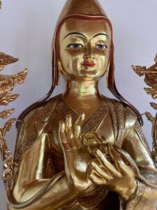 Vergoldete Tsongkhapa-Statue, Berghof. Detail